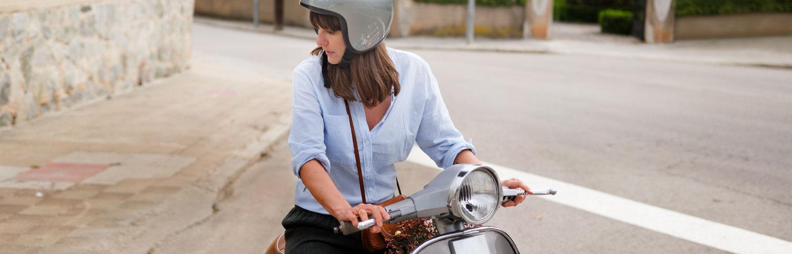ergo mopedversicherung sofort erh ltlich schneller schadensservice ergo. Black Bedroom Furniture Sets. Home Design Ideas